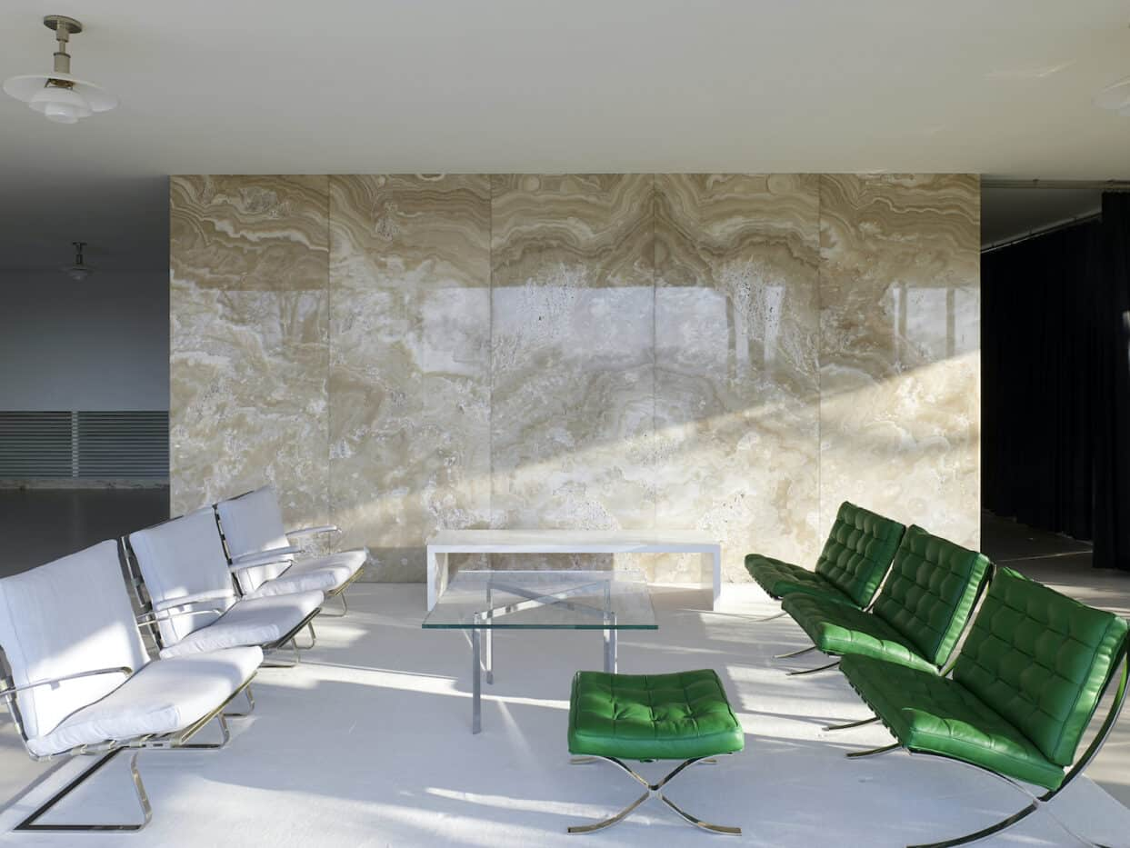 Ludwig Mies van der Rohe and Lilly Reich deployed green Barcelona chairs in Villa Tugendhat,