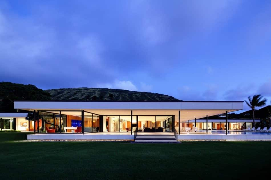 Home in Honolulu by David Desmond Inc.