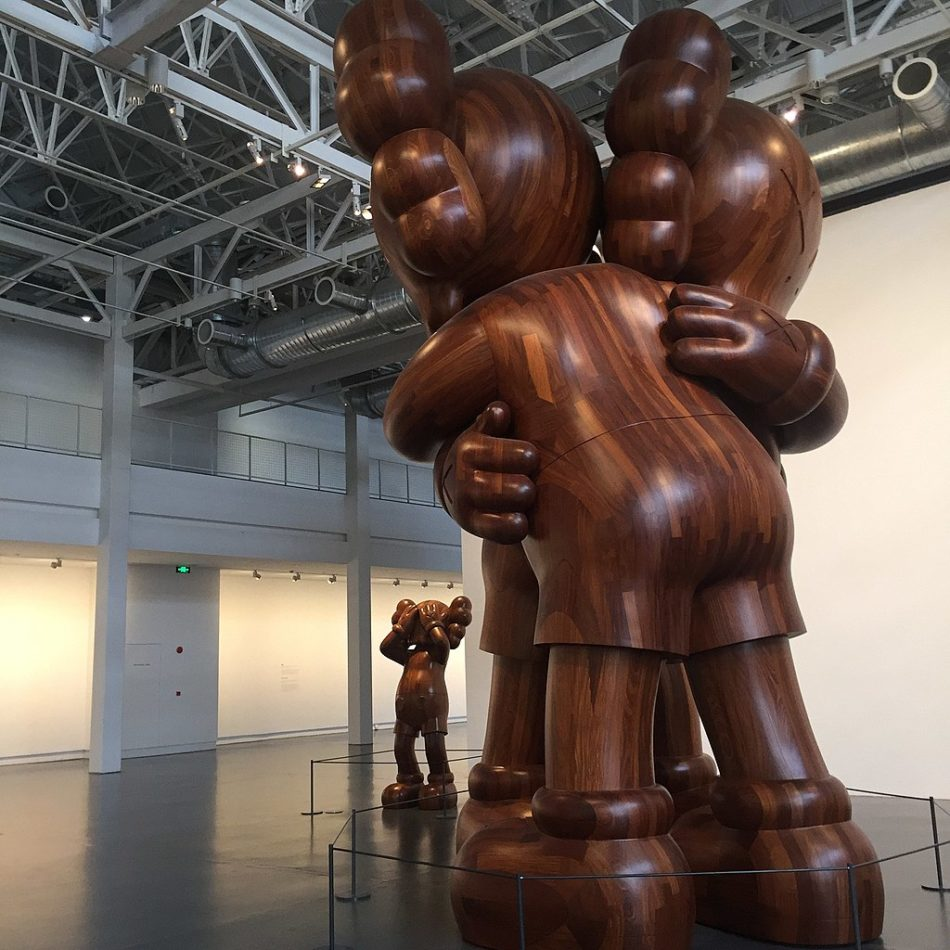 "An installation view of the 2017 exhibition ""KAWS: Where the End Starts"" at the Yuz Museum in Shanghai. Photo by Ciikoa/CC BY-SA 4.0"