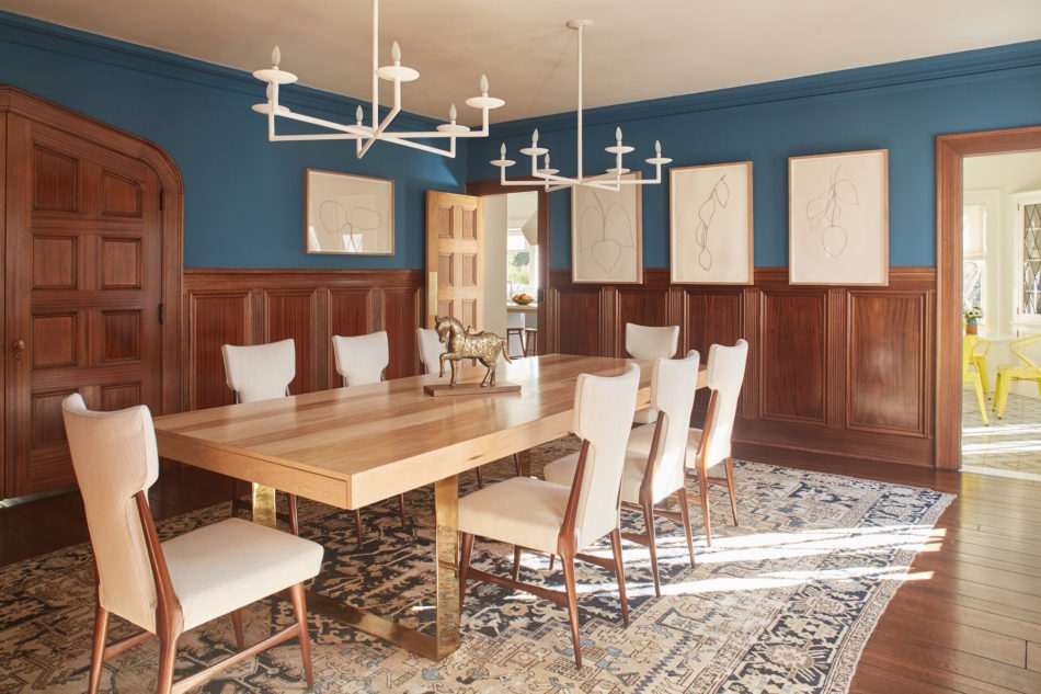 blue and white dining room by Sarah Shetter Design, Inc.