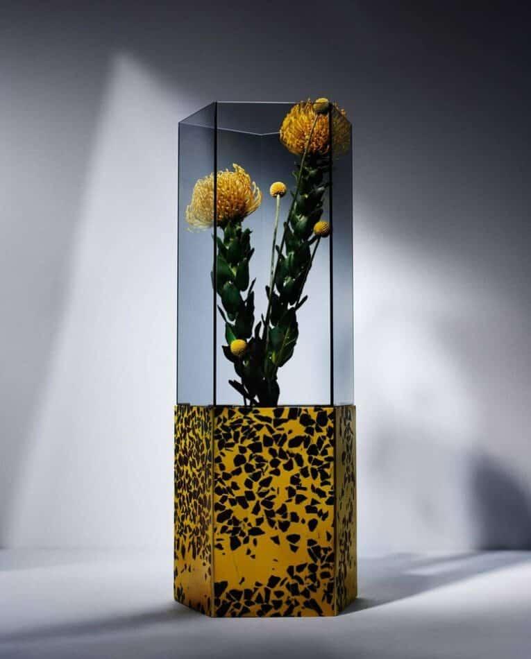 Narcissus pentagon vase Tino Seubert