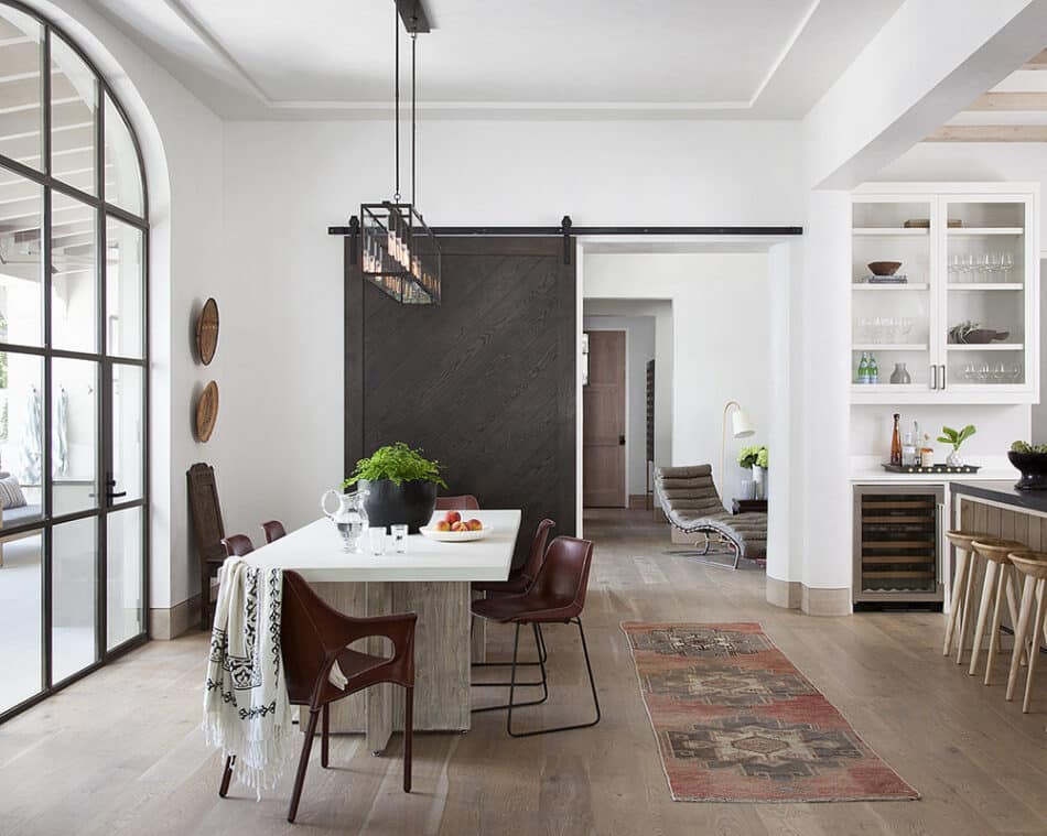 Dining area in Austin, TX by Studio Seiders