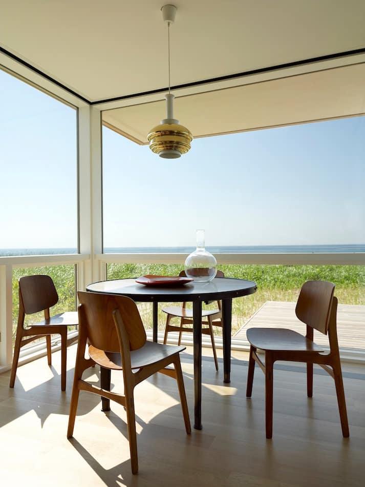 Hamptons dining room by Robert Stilin