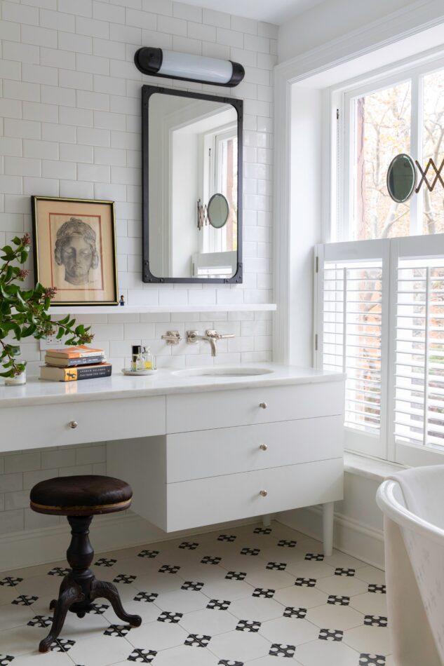 Bathroom by Hadley Wiggins Inc. in Brooklyn, NY