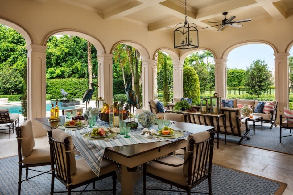 Palm Beach outdoor dining area by Gil Walsh Interiors