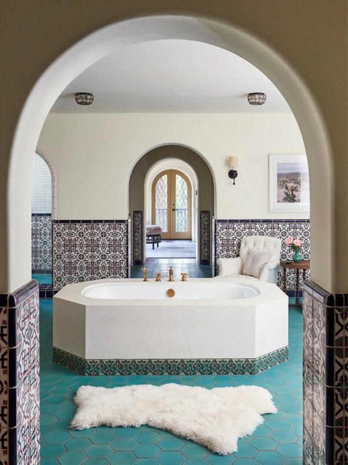 Commune Bathroom in Beverly Hills