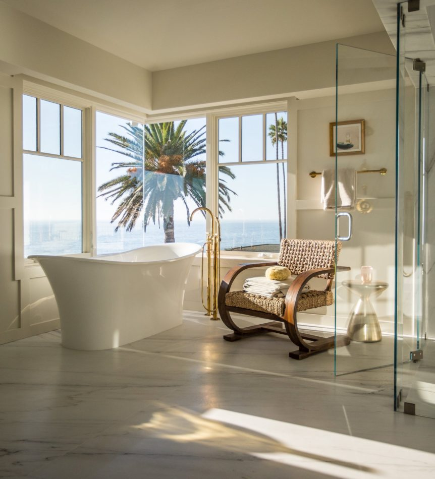 Bathroom by Samuel Amoia in San Diego