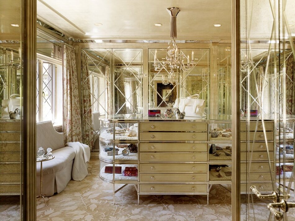 Burlingame, California, dressing room by The Wiseman Group