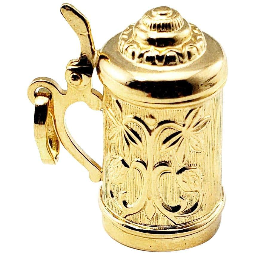 Yellow gold beer stein charm