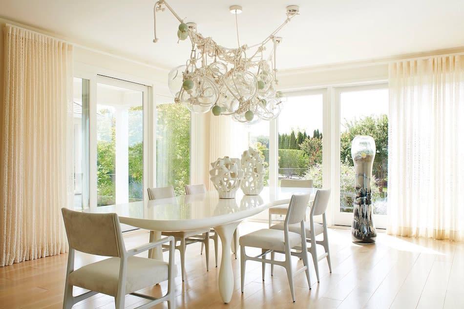 beach house dining room by Amy Lau