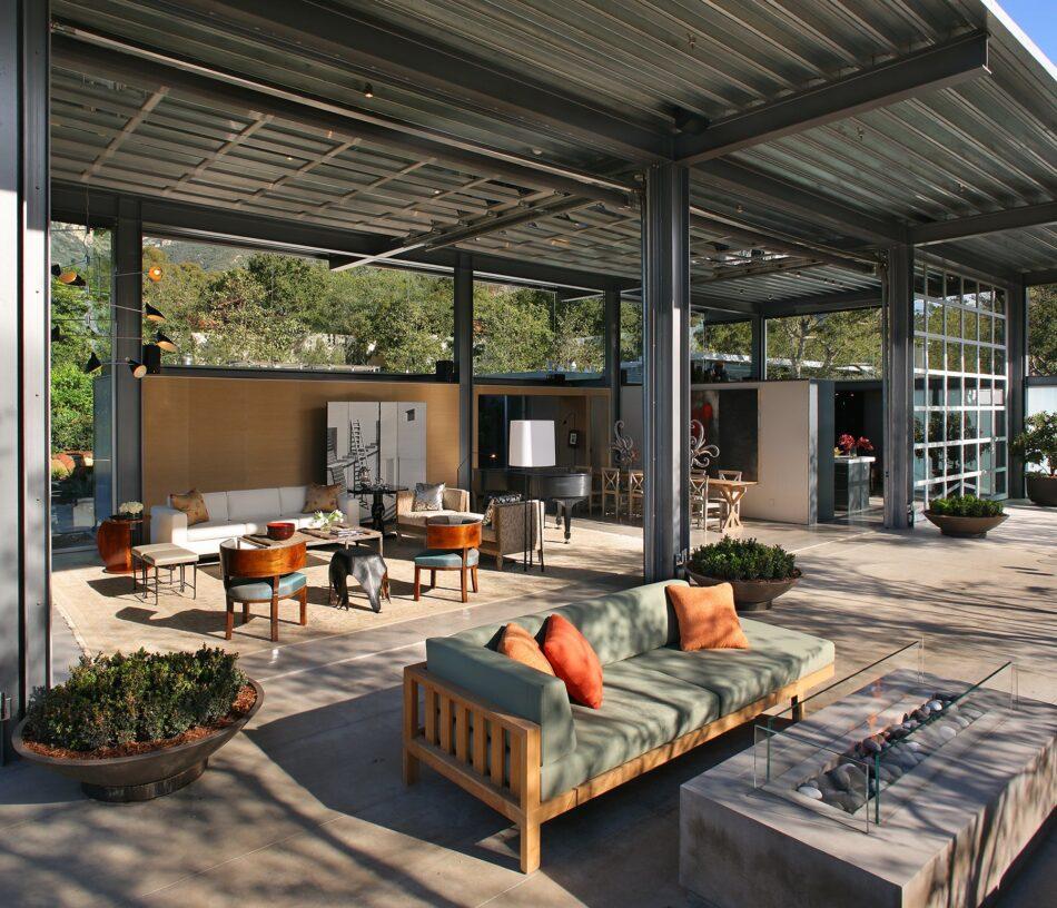 Montecito, CA backyard by RCH Studios