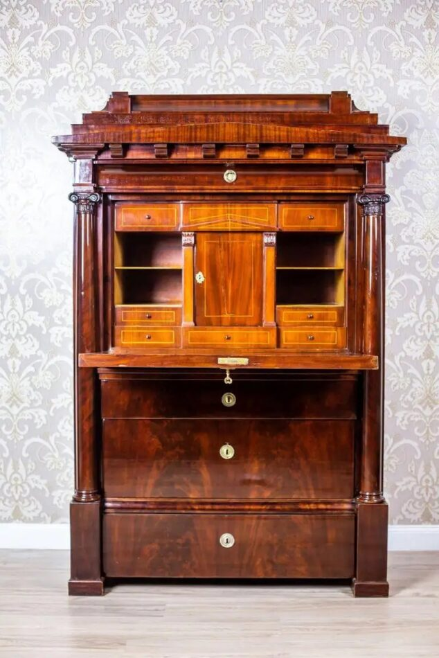 Biedermeier secretary desk with mahogany veneer, ca. 1840