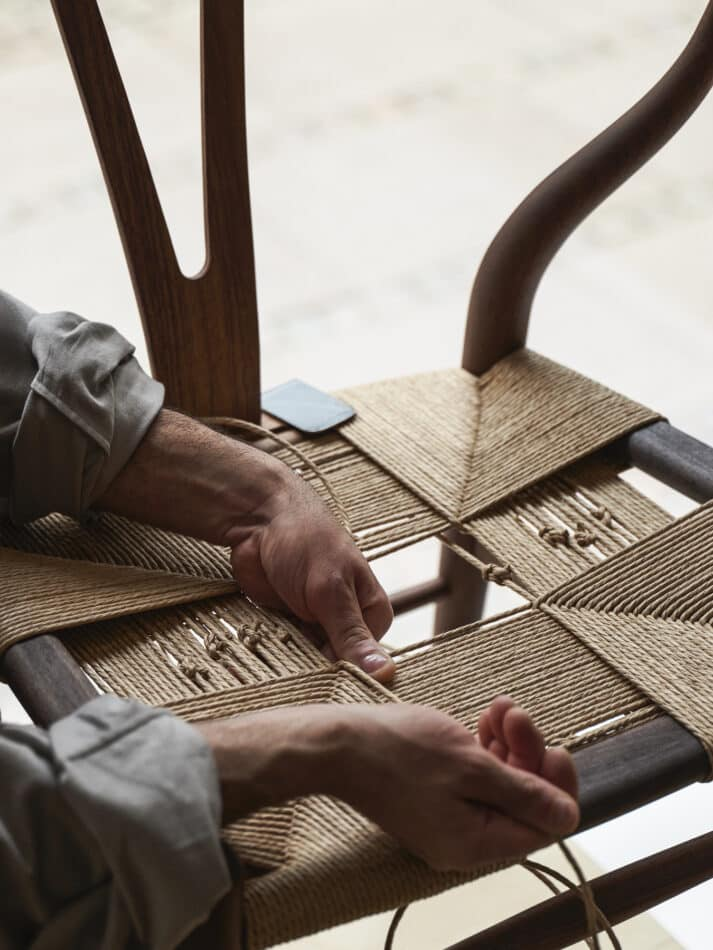 The weaving of a Wishbone seat