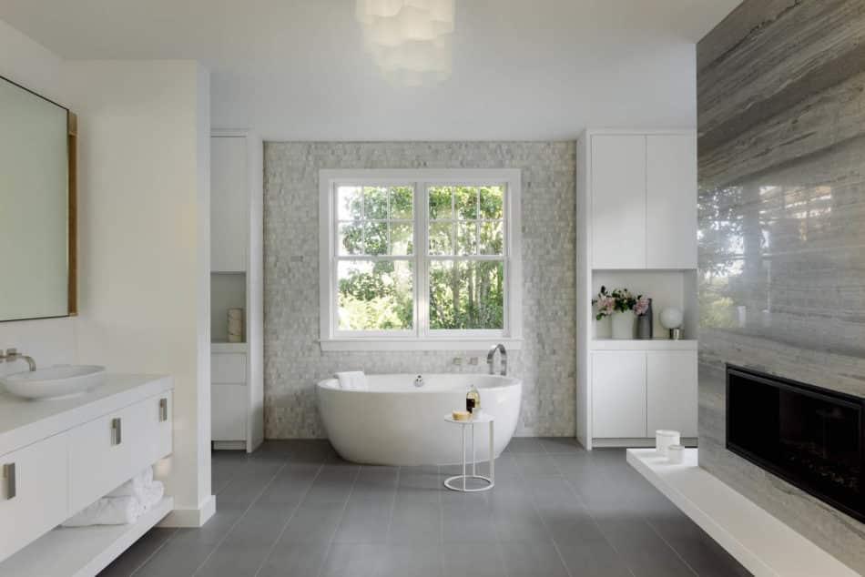 DHD Architecture & Interior Design bathroom in Water Mill, NY