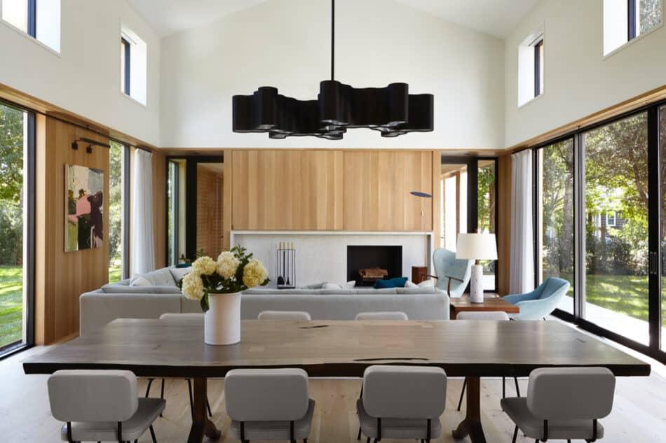 Dining room by Damon Liss in Amagansett, New York