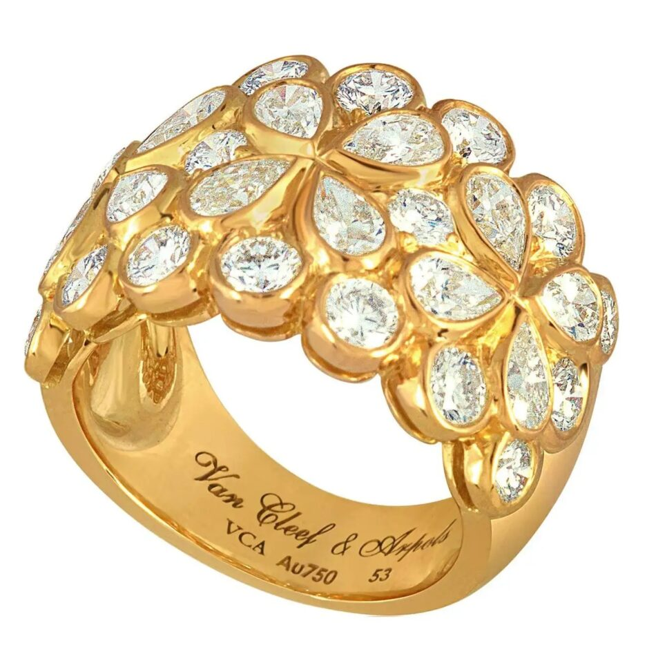 Van Cleef & Arpels Rosée diamond band, ca. 2000, offered by Diamond Stars Jewelry, Inc.
