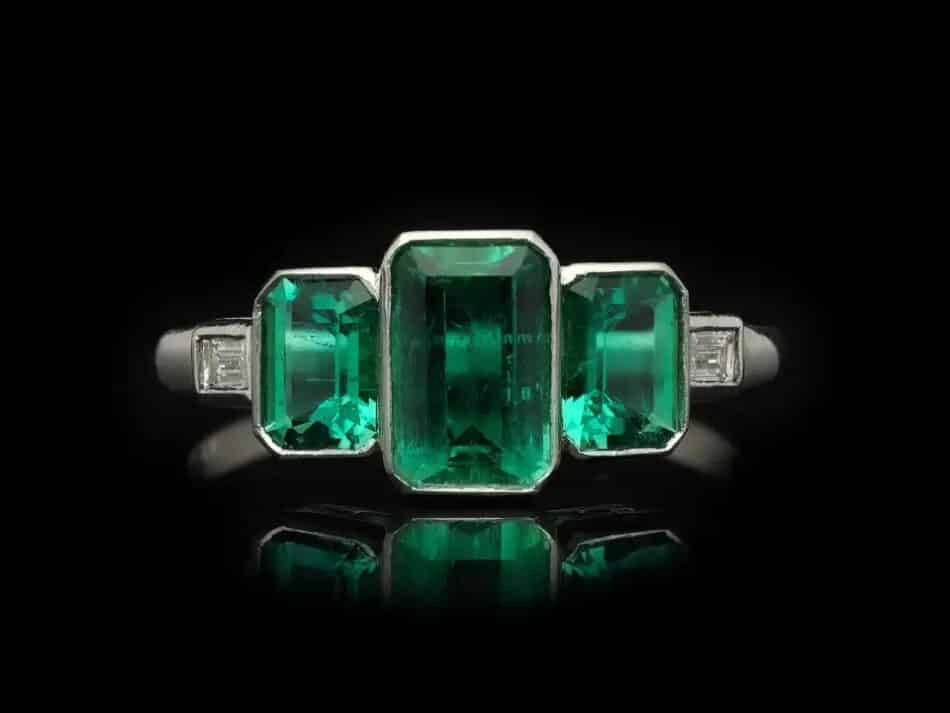 Art Deco Colombian emerald and diamond ring, ca. 1920, offered by Berganza