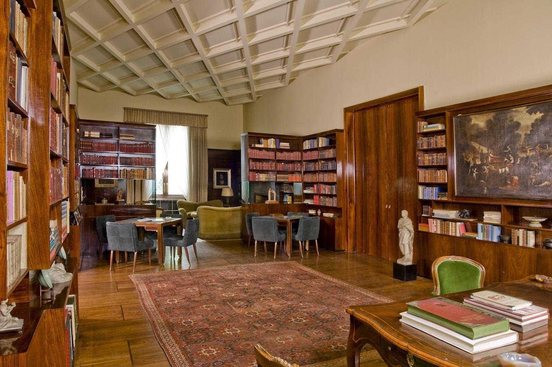 The library of Villa Necchi Campiglio