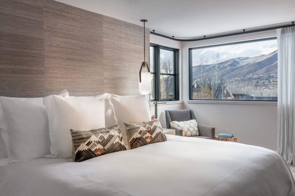 Vacation Home by Forum Phi Interiors in Aspen, CO