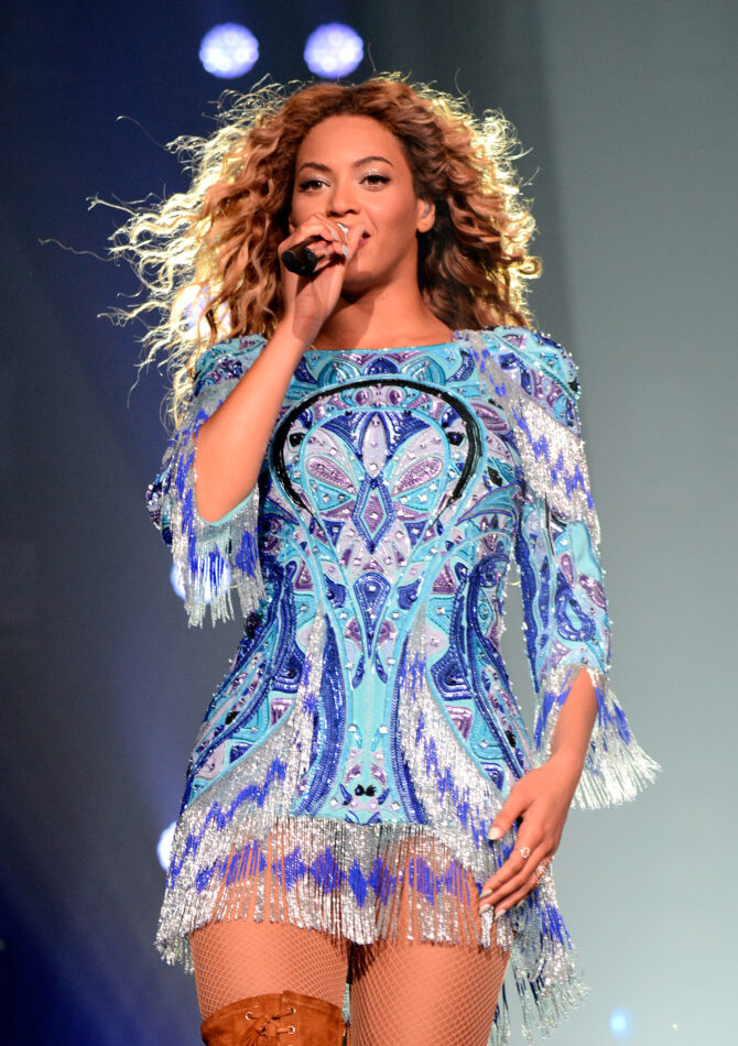 """Beyoncé performs in New York during the """"The Mrs. Carter Show World Tour"""" in August 2013"""