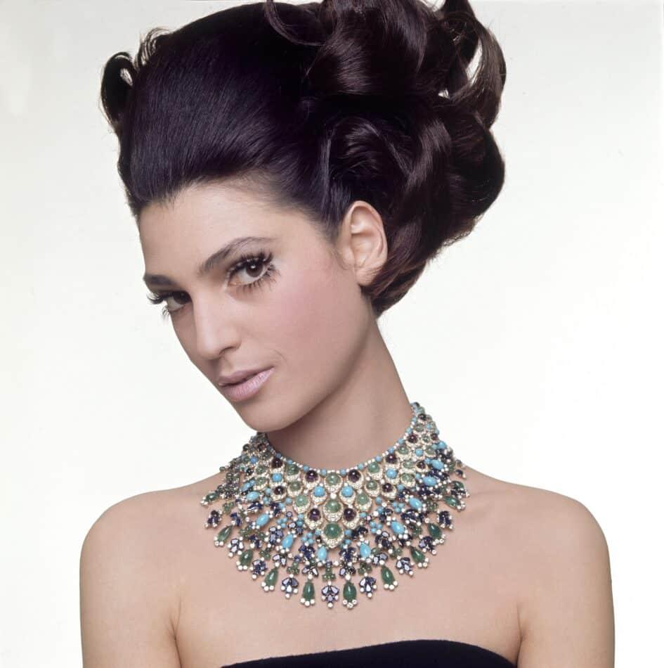 model in Bulgari necklace