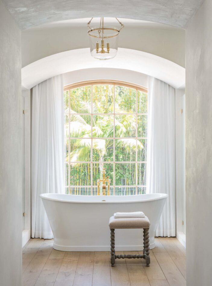 Malibu bathroom by Giannetti Home