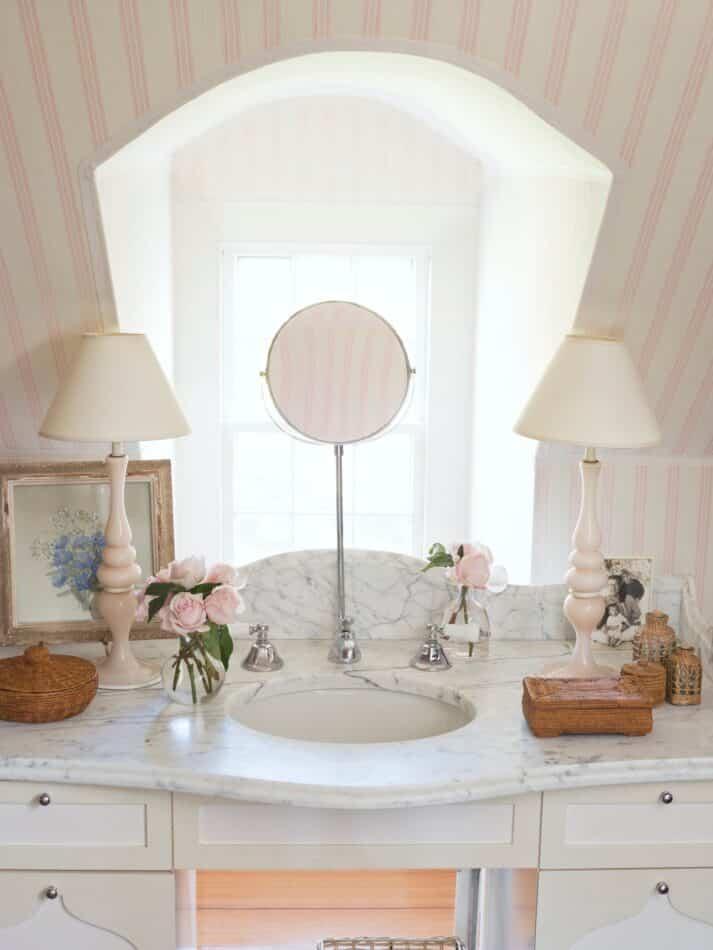 Tom Scheerer Inc.-designed bathroom in East Hamptoms