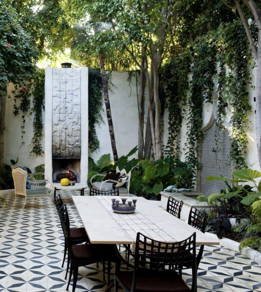 LA patio by Studio Shamshiri