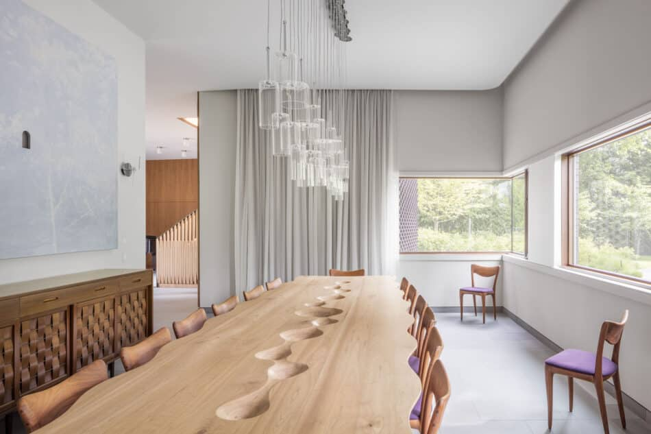 Dining room by MPdL Studio in the suburbs of Detroit