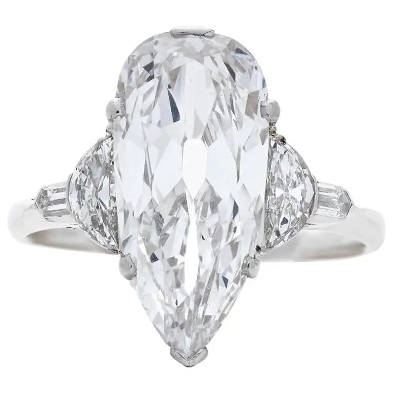 Art Deco diamond engagement ring, 1920s, offered by Neil Lane Couture