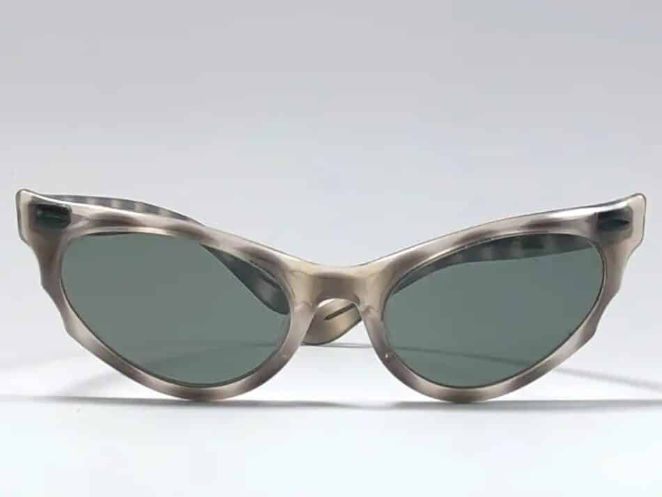 Cat-eye Ray-Ban Alora sunglasses, offered by Nightwings