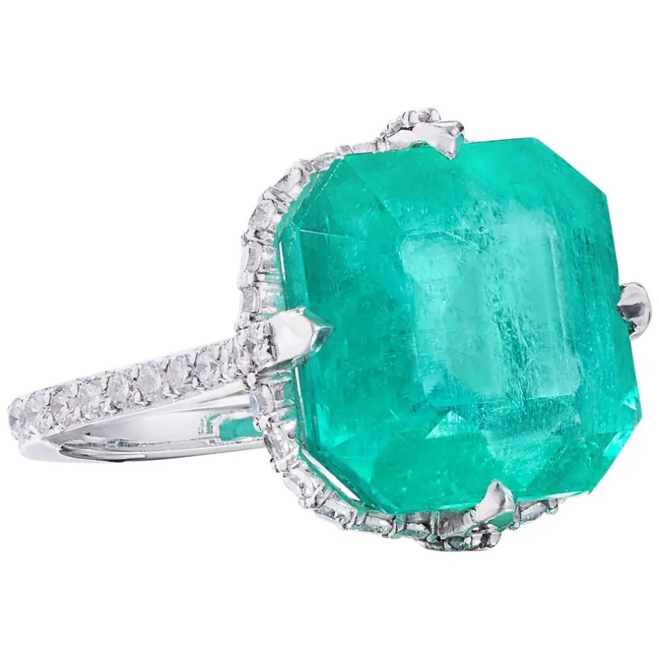 Nina Runsdorf Colombian emerald  and diamond ring, 2018