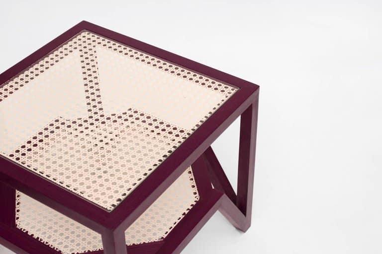 O Formigueiro side table