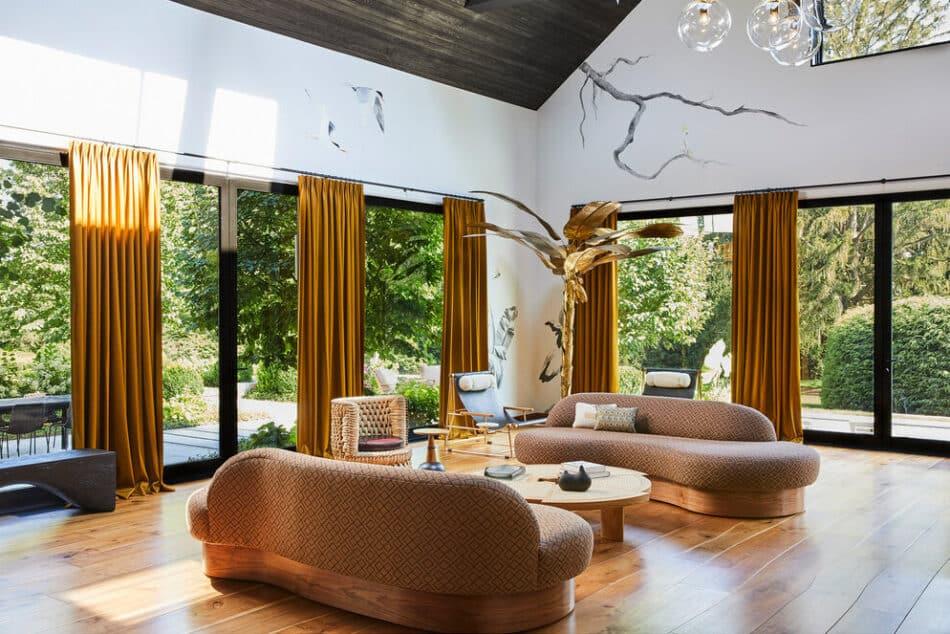 Living room by Jesse Parris-Lamb in Westport, CT