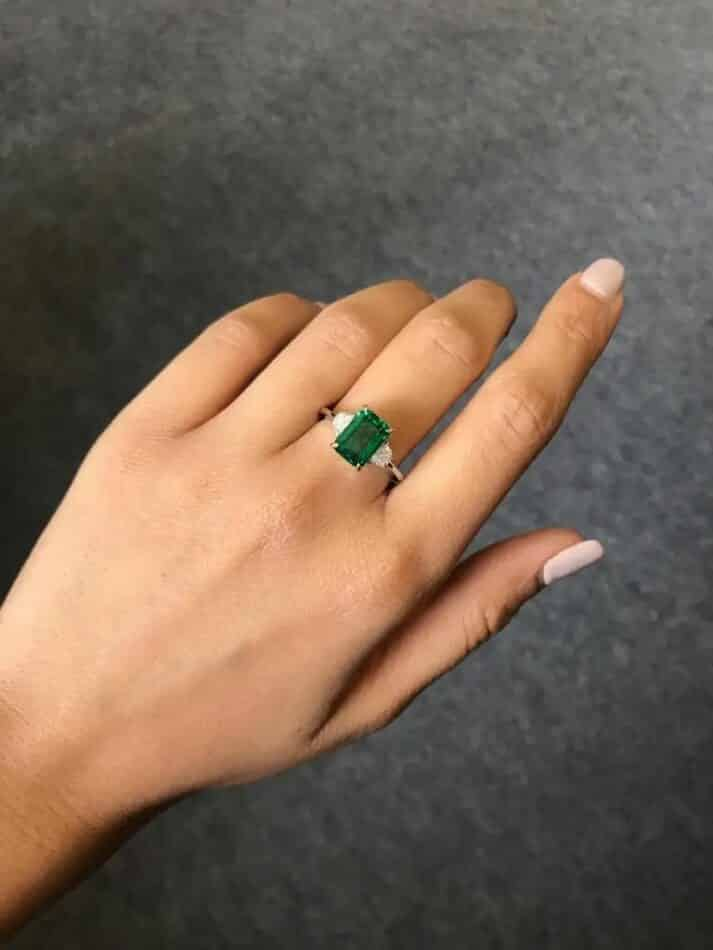 Zambian emerald and diamond ring, 2019, offered by Royaal Stones Ltd