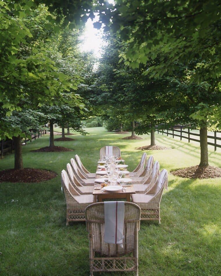 Outdoor dining area in Greenwood, VA