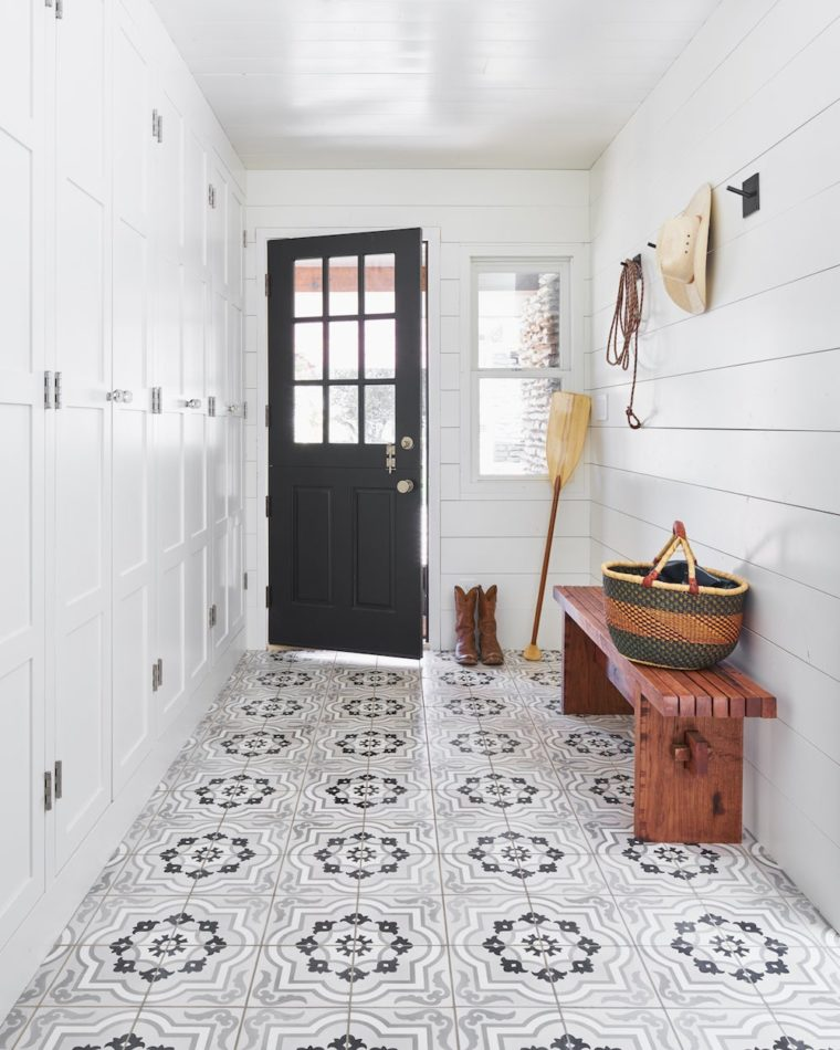 Mark Ashby Design mudroom in Texas