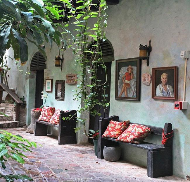 Spanish-Porch-Outdoor-Design
