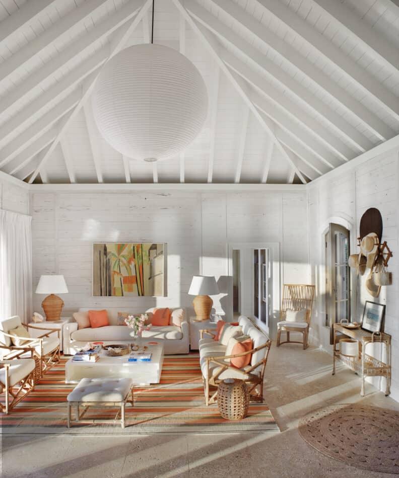 Living room in the tropics by Tom Scheerer Inc