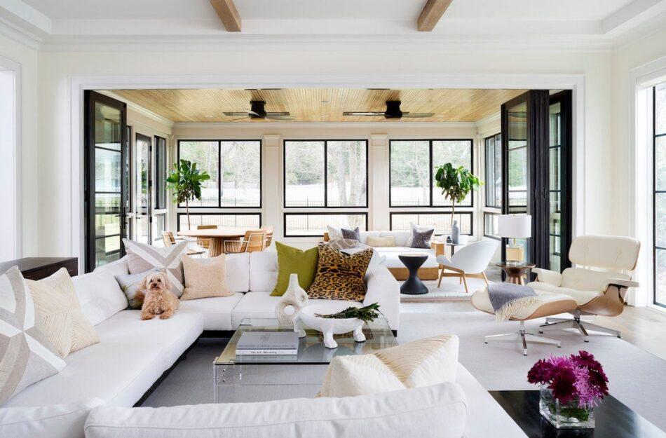 Living room in Potomac, MD by Zoe Feldman