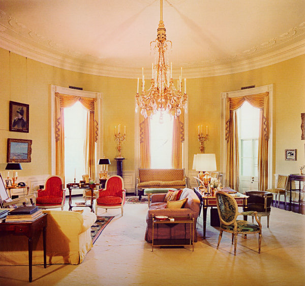 The yellow Oval Room in the Sister Parish-decorated White House.
