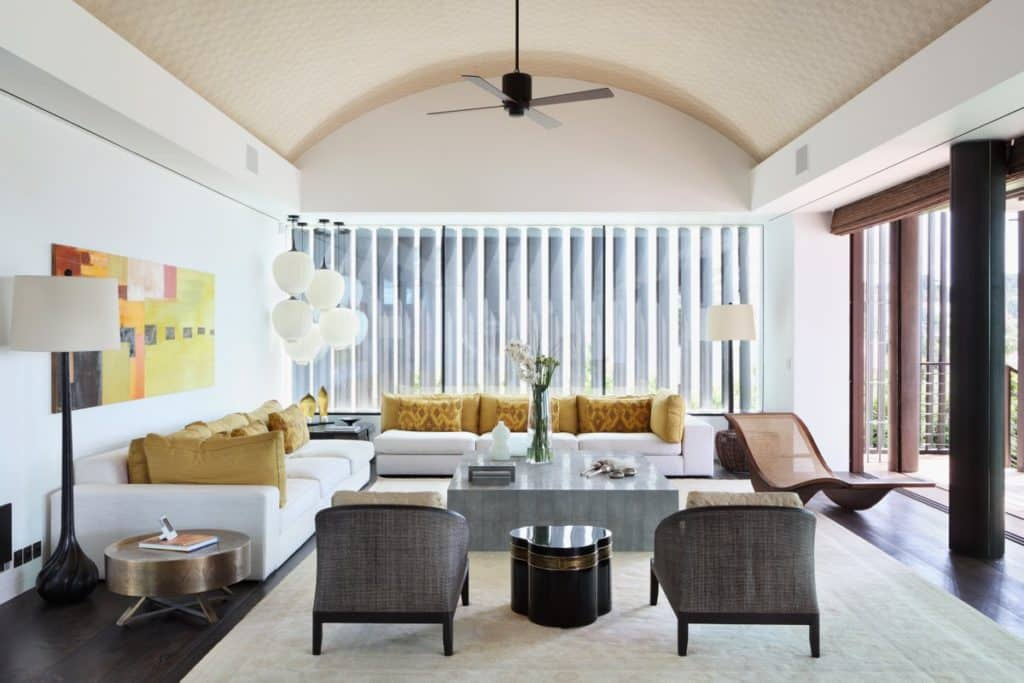 A modern beach house on the French Riviera designed by Carden Cunietti