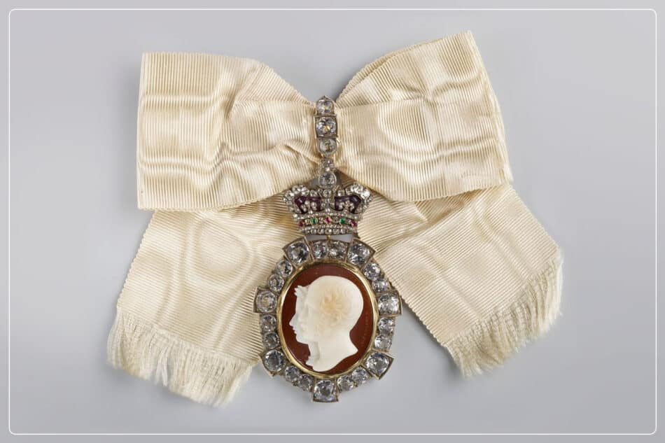 Cameos in onyx with a double portrait of Queen Victoria and her late husband
