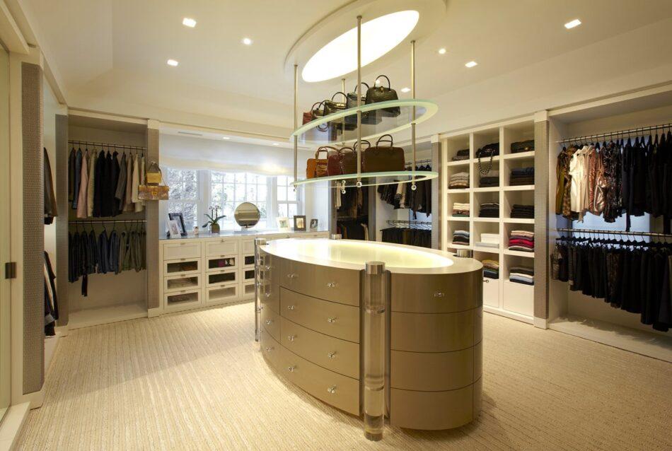 Fox-Nahem Associates designed this dressing room