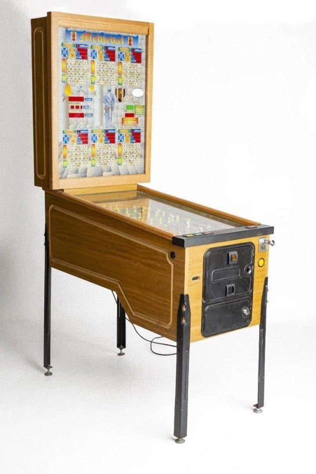 Italian bingo pinball machine, ca. 1980s
