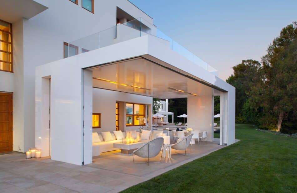 Los Angeles home by Rios Clementi Hale Studios