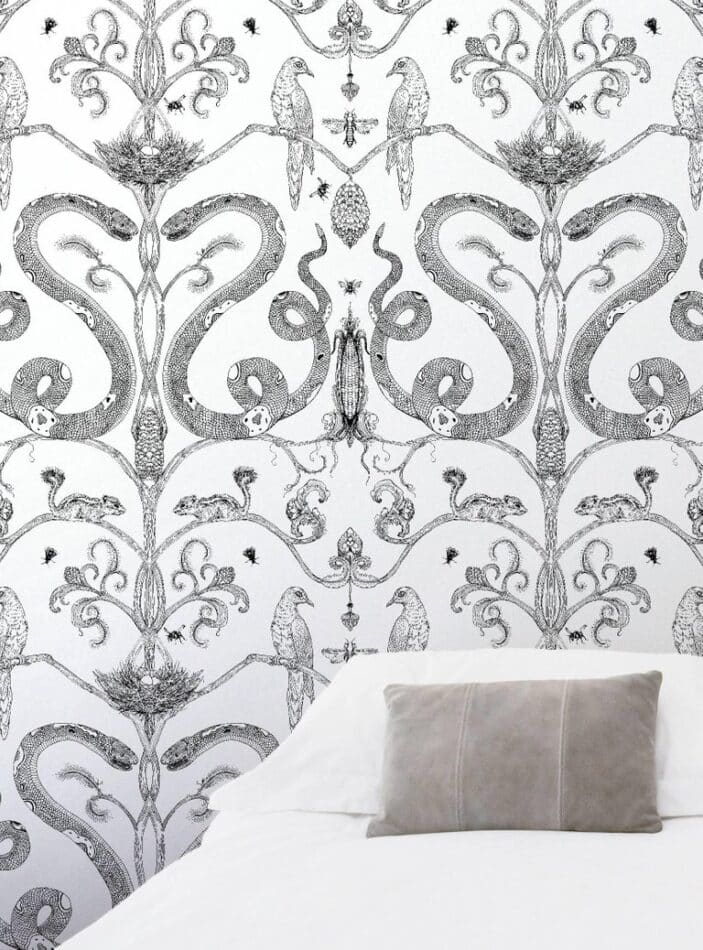 Snake Party in black and white by Merenda Wallpaper
